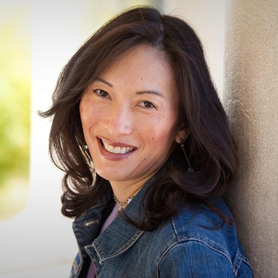 Featured Denise Lee Yohn Marketing Bestselling Author Gravity Speakers