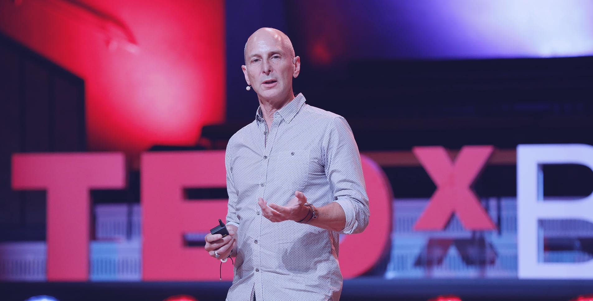 https://gravityspeakers.com/wp-content/uploads/Mark-Levy-Home-TEDxBerlin-2.jpg
